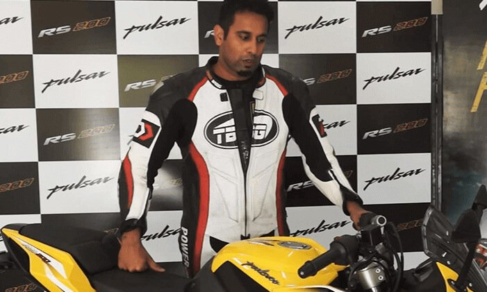 Pulsar RS 200 Review Sagar Sheldekar